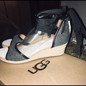 Ugg Amell Wedges still new in box